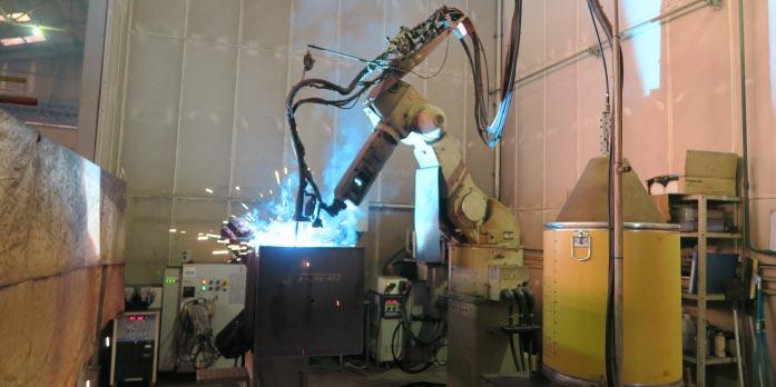 連結コラム溶接ロボット